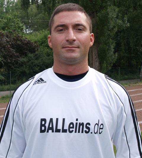 Musa Haslak zeigte bei seinem Debut im Classique Team eine hervorragende Leistung in der Innenverteidigung